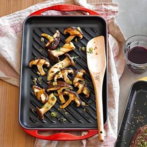 le-creuset-cast-iron-rectangular-skinny-grill-c